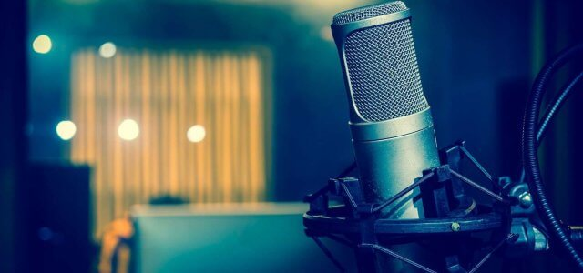 """PODCAST: """"Brand Management in Social Media"""" with Katyan Roach"""