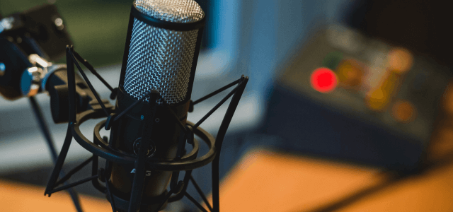 +20 Must-Listen Podcasts for Marketers