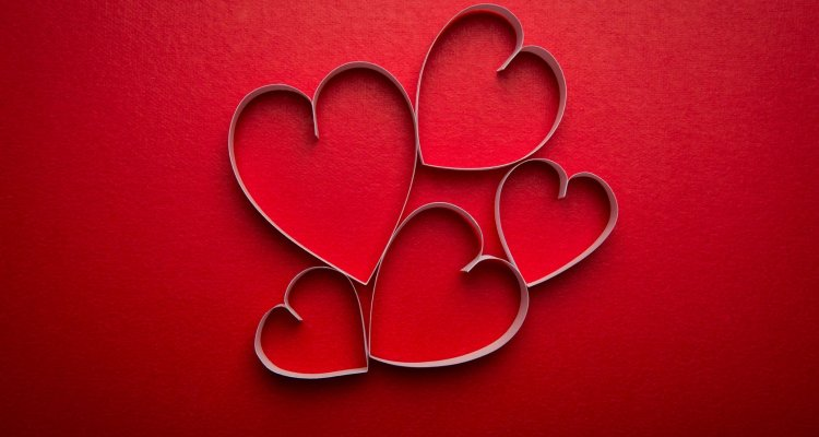 Valentine's Day in Social Media: Analysis of the Buzz