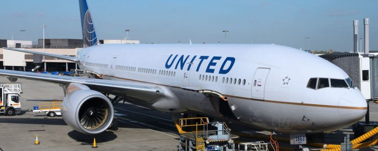 48 Hours of the United Airlines' Crisis: Buzz Analysis & Reactions