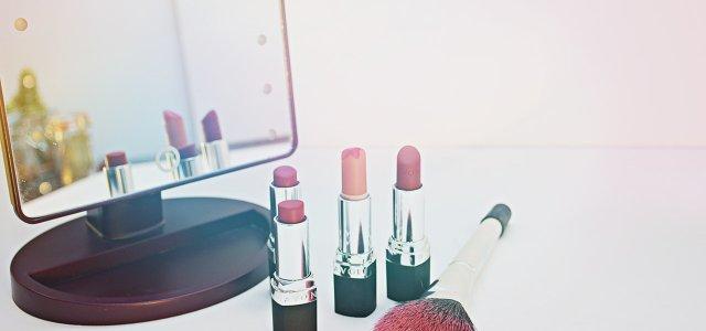 Social media marketing handbook for a beauty brand